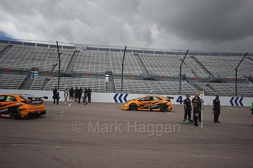 Matt Neal and Gordon Shedden head onto the grid at Rockingham, 2016