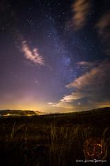 Caminico de las uvas (J Dominguez) Tags: milkyway caminicodelasuvas vialactea jumilla castillo noche nocturnas altiplano estrellas
