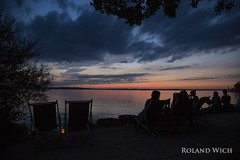 Chiemsee (Rolandito.) Tags: bayern bavaria bavire baviera upper oberbayern deutschland germany allemagne duitsland alemania germania chiemsee lake see sunset dusk abend evening silhouette silhouettes people