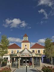 Puteaux, place du thtre, centre ville (Grbert) Tags: puteaux