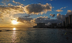 Along The Wall (jcc55883) Tags: ocean sunset sea sky clouds hawaii nikon waikiki oahu horizon pacificocean walls hotels yabbadabbadoo d40 kalakauaavenue kuhiobeachpark kapahulugroin nikond40 waikikishoreline