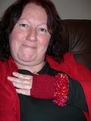 254.366 (2012) (Jacqi B (catching up)) Tags: selfportrait self homemade gloves sp gift 365 knitted jacqi 2012 366 365days 366days september2012 366of2012 glovesfromlucy
