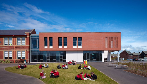 Heathfield Primary School by Holmes Miller