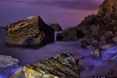En la noche purpura (85 EXPLORE - 24 - 09 - 2012) # 52 (Jose Casielles) Tags: noche mar agua cielo cala rocas iluminacion yecla norturna purpura fotografanocturna colorpurpura fotografasjosecasielles
