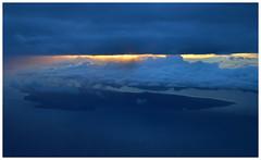 Tonight we fly (vegetablepredator) Tags: light sunset plane hawaii soleil air coucher maui aerial airlines avion hawai mokulele