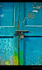 door blue canon lock 1855mm chennai locked cwc parrys canon600d chennaiweekendclickers canonrebelt3i