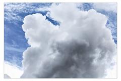L'automne arrive toujours à me rattraper [Explored 6-10-2012] (Gabi Monnier) Tags: blue sky france clouds automne canon flickr jour bleu ciel provence nuages aubagne extérieur canoneos600d gabimonnier