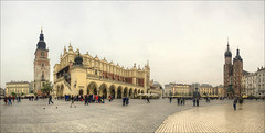 Krakow Main Market Square (Hans Kool) Tags: old city houses people panorama cloud house building tower heritage church stone architecture clouds composition buildings square vakantie nikon exposure kei catholic market stones centre crowd culture poland krakow center medieval historic polen plein oud hdr stad touristic cultuur druk steen historie straat mensen 1024 stenen crowdy midden keien toeristisch 1024mm