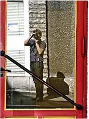 SELF REFLEX-PORTRAIT (Sigurd66) Tags: selfportrait france frankreich frança autorretrato francia pyrenees pirineos aquitaine aquitania frantzia oloronsaintemarie pyrénéesatlantiques francja oloron hautbéarn pirineosatlanticos sigurd66 frañs sifro