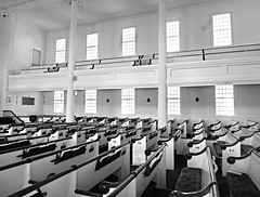 Church of Christ Congregational, United Church of Christ (Colorado Sands) Tags: churchofchristcongregational ucc unitedchurchofchrist norfolk connecticut litchfieldcounty 12villagegreen pews seating window monochrome inside interior architecture church religious christian churches christianity sandraleidholdt usa us blackandwhite