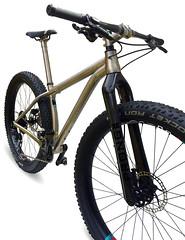 Travers-RUSSTi-front-titanium (Travers Bikes) Tags: boost titanium frame travers mtb russti 275 650b traversbikes rim lauf laufforks xt