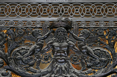Door Detail @ Louvre, Paris (Rick & Bart) Tags: galeriedapollon paris france city urban museum louvre art rickvink rickbart canon eos70d iron door gnneniyisi thebestofday