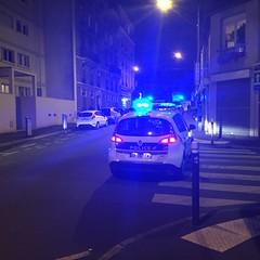 Voiture de police sur villejuif (stefff13) Tags: policier flics girophare nuit villejuif cops voiture police