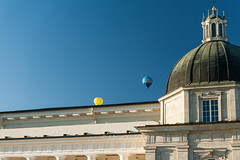 DSC_8556 (Adrian Royle) Tags: lithuania vilnius travel holiday city urban street cathedral palace sky people architecture hotairballoons