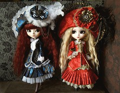 Veritas blue & red (Lunalila1) Tags: doll groove junplaning pullip veritas bloody red hood fake stock outfit blue crimson handmade costura limited edition