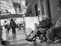 Taking care (E-PIC Photography by Johan Pape) Tags: socialphotography street blackandwhite bw people oldpeople tilburg thenetherlands dutchphotographers dutch story