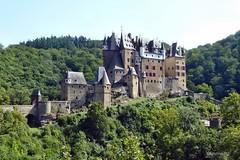 Burg Eltz (mama knipst!) Tags: castle germany deutschland burgeltz burg thegalaxy