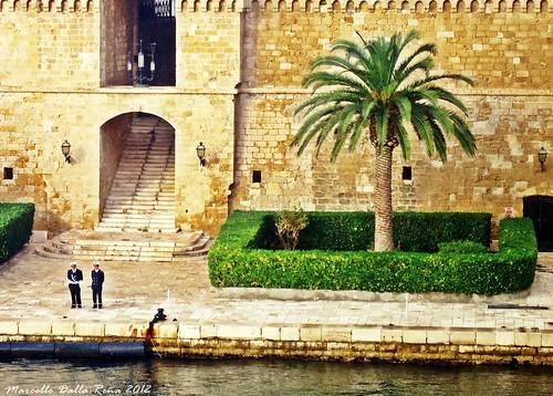 sea italy marina italia mare castello comandante puglia... (Photo: MarcelloDR on Flickr)