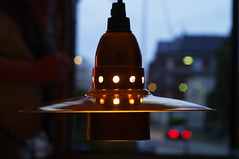 Filosoflampen_02_(Design: Lars-Erik Ejlers) (Jakob Tragardh) Tags: light lamp copenhagen design lampe nyhavn philosophy spotlight architect readymade copper ambient brass exclusive freetibet cymbal highiso pendel 3200iso lenshood caphorn filosof jakobträgårdh larserikejlers pentaxk7iso800