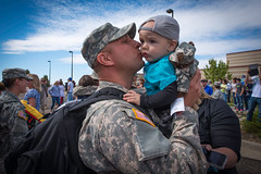 Welcome home (The U.S. Army) Tags: army us unitedstates aviation northdakota nd kosovo bismarck kfor