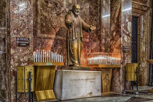 Padre Pio dans la Sainte Marie des Grâce