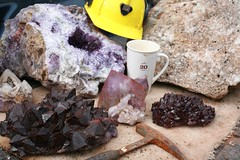 Miner`s Booty (Cindy's Here) Tags: ontario canada coffee canon crystals helmet minerals mug pearl amethyst geology bestfriend mineralogy rockhammer scavchal bluepointsamethystmine