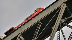 CP Rail 8525, GE AC4400CW freight loco - 'High Level Bridge', 1909, Lethbridge, Alberta (edk7) Tags: d300 edk7 2008 canada alberta oldman river valley lethbridge viaduct high level bridge steel trestle canadian pacific railway 19071909 railroad rr rwy train locomotive 8525 geac4400cw nikonnikkor18200mm13556gedifafsvrdx