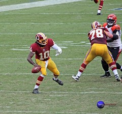Last Play of the game, Hail Mary Pass by RGIII becomes an incomplete pass. (Terry Sosnowich Photography (2.8 million views)) Tags: hail washington football cincinnati mary nfl pass bengals redskins robertgriffiniii rgiii