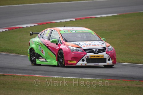 Mike Epps in Touring Car action during the BTCC 2016 Weekend at Snetterton