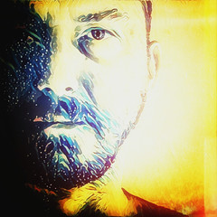 2016 / autoritratto / digital / Dino Olivieri (! / dino olivieri / www.onyrix.com) Tags: portrait selfie selfportrait man uomo colore giallo yellow red blue rgb sun water face eyes