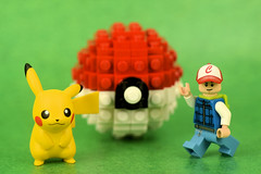 Pokemon, Pokeball, & Pokeboy (Lesgo LEGO Foto!) Tags: lego minifig minifigs minifigure minifigures collectible collectable legophotography omg toy toys legography fun love cute coolminifig collectibleminifigures collectableminifigure nikkor nikon d5300 60mmf28drmicro pokemongo pokemon go pikachu monster monsters ball boy blue ash ashketchum ketchum satoshi  pokmonanime pocketmonster pocketmonsters pocket pokmontrainer pokmon trainer trainers pokemontrainer catch