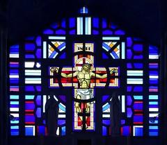Vitrail dans l'glise de Monthenault (frediquessy) Tags: vitrail religion artdco saintmartin christ crucifixion monthenault louisbarillet