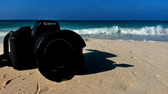 My Canon. Upon the shore. Photo break ^^ (Amr Tawwab) Tags: tawwab splendid sea shore sand camera canon 700d cap capture focused focus water blue yellow abstract impression left mylens myeye mywork mine photo ph photography photographing mob mobilegraphy outdoor outside selfish closeup
