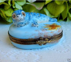 Limoges France Peint Main Rochard Porcelain Trinket Box Baby Seal (Donna's Collectables) Tags: limoges france peint main rochard porcelain trinket box baby seal