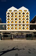 Paris (Julianoz Photographies) Tags: ledefrance idf architecture paris btiment immeubles ombre shadow france europe capitale julianozphotographies city