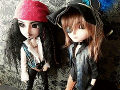 Jack & Orco (Lunalila1) Tags: doll groove junplaning taeyang custom nepenthe ryuzaki takagi jack sparrow pirata pirate cavalie orco