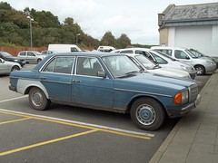 Mercedes 230E (occama) Tags: old blue classic car duct mercedes cornwall tape 1984 1983 rough gaffer reg tatty gaffa 230e