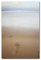 Mar adentro (Elas Gomis) Tags: longexposure sea beach mar sand playa arena alicante step paso huella elcampello eliasgomis