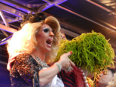 DSCN0766e (Enrico Webers) Tags: gay holland netherlands dutch amsterdam drag tv europa europe nederland pride queen tranny transvestite olympics paysbas ams drags 2012 niederlande trannies hollanda travestiet travestieten dragqueenolympics
