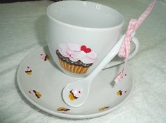 Xícara cupcake (Acrilex) Tags: pintura acrilexroselidanielxícaraxícaracupcakecupcakeartesanatoartesmanuaisporcelana vitro150º