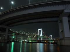 Rainbow Bridge (Tokyo) (Simon*N) Tags: bridge light sea japan architecture night tokyo olympus shinagawa 東京 odaiba 夜景 海 zuiko omd お台場 橋 レインボーブリッジ