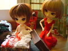12 El fin de año de Shinobu (Lunalila1) Tags: movie outfit doll track dress barbie dal phoebe wig pullip ho rowan kuro stela shinobu stica