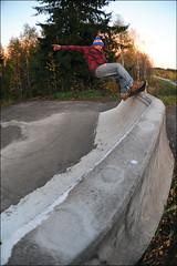 Ville Nikkarikoski - Fs Feeble @ Ruoke DIY (Antti Lehtinen) Tags: light suomi finland diy nikon focus fisheye ambient manual 16mm zenitar jyvskyl ville frontside feeble ruoke d700 nikkarikoski
