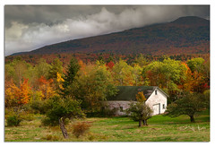 Autumn in the Catskills (Del.Higgins) Tags: autumn storm fall del clouds barn leaf cloudy barns olympus dell e3 foilage palenville approaching peeping oly peepers tannersville delhiggins