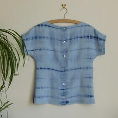 simple linen top - back (Nina (Toft's Nummulite)) Tags: sewing shirt top linen tiedye shibori procion vintagefabric simple kimonosleeves whomademyclothes thrifty nl6217