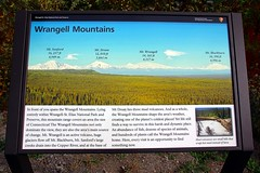 Information Sign (neukomment) Tags: canont5i alaska wrangellmountains august bluffs copperriverbluffs sign usa 2016 18250mmf3563dcosmacrohsm wrangellsteliasnationalpark
