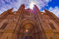 Fachada principal Catedral de Palma de Mallorca (La Seu). Main facade of the Cathedral of Palma de Mallorca. (Jononse) Tags: catedral cathedral palmademallorca balearicislands islasbaleares facade fachada laseu santamaria