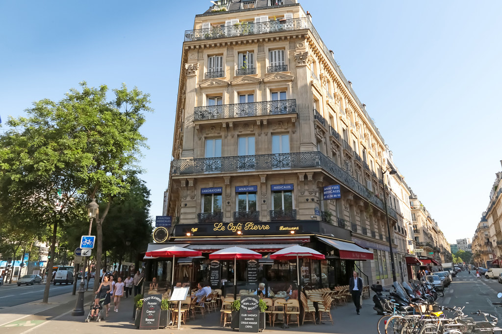 Cafe Restaurant  Avenue Lyon