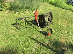 IMG_8714 (Marshen) Tags: mower weedeater