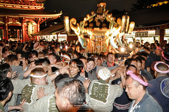 Sanja Matsuri, Asakusa Summer Festival (Pop_narute) Tags: sanja matsuri summer asakusa festival tokyo japan life culture traditional japanese people night crowd